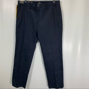 Lee Pants Mens 33 X 30 Slim Fit Wrinkle and Stain Resistant Navy Blue Cotton NEW